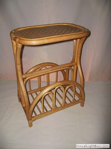 hocker zeitungsst nder. Black Bedroom Furniture Sets. Home Design Ideas